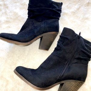 Black Fergie booties size 9